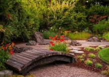 A small garden bridge for your Japanese garden