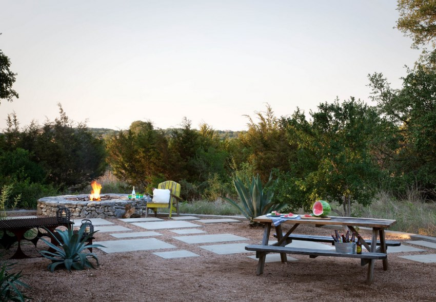 Backyard with a graveled dining area