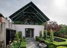 Beautiful outdoor garden of James David and Gary Peese