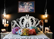 Bedroom-in-black-with-classy-pendant-lights-217x155