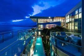 Living a Dream Next to the Ocean: Sensational Malibu Beach House