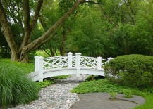 Bring-home-some-Parisian-charm-with-a-classy-garden-bridge-217x155