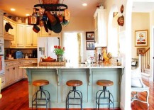 Captivating-combination-of-farmhouse-and-industrial-styles-in-the-modest-kitchen-217x155