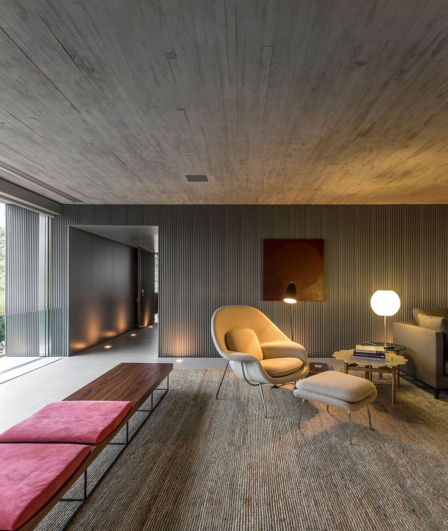 Cozy seating and brilliang lighting shape the smart reading nook