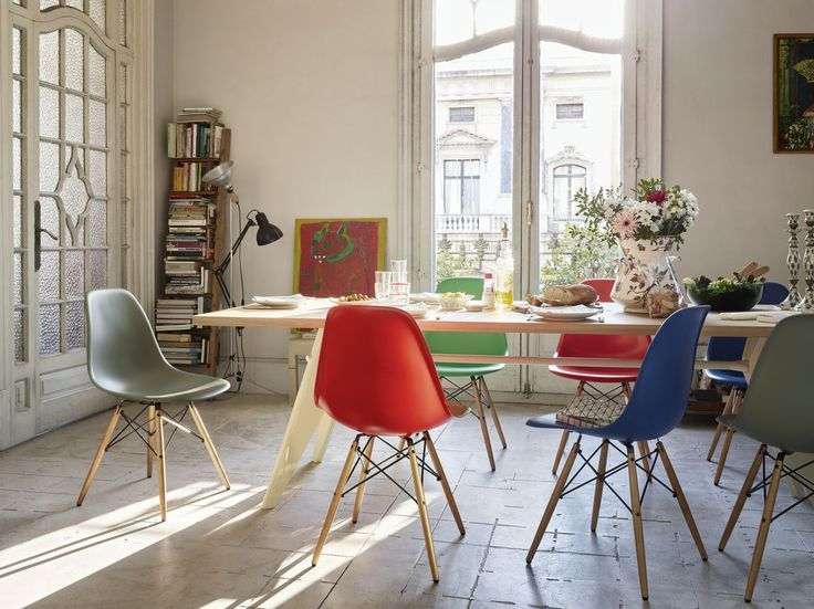 View In Gallery Eames Plastic Side Chairs DSW