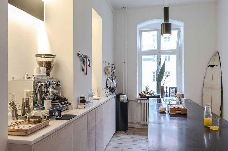 Ergonomic kitchen island and workstation design that utilizes the narrow space