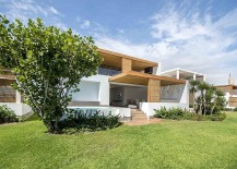 Exterior of the stylish Peru home in white has a breezy ambiance 217x155 The Panda House: Contemporary House in Peru Showcases a Breezy Beach Vibe!