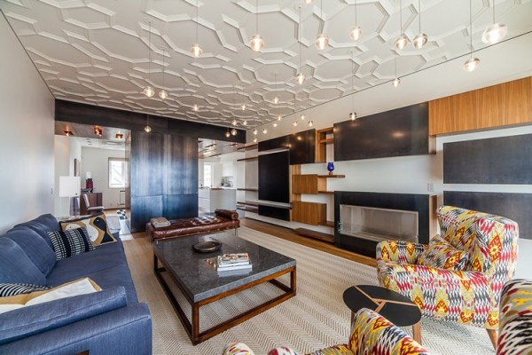 Geometric coffered ceiling in a living room with modern style