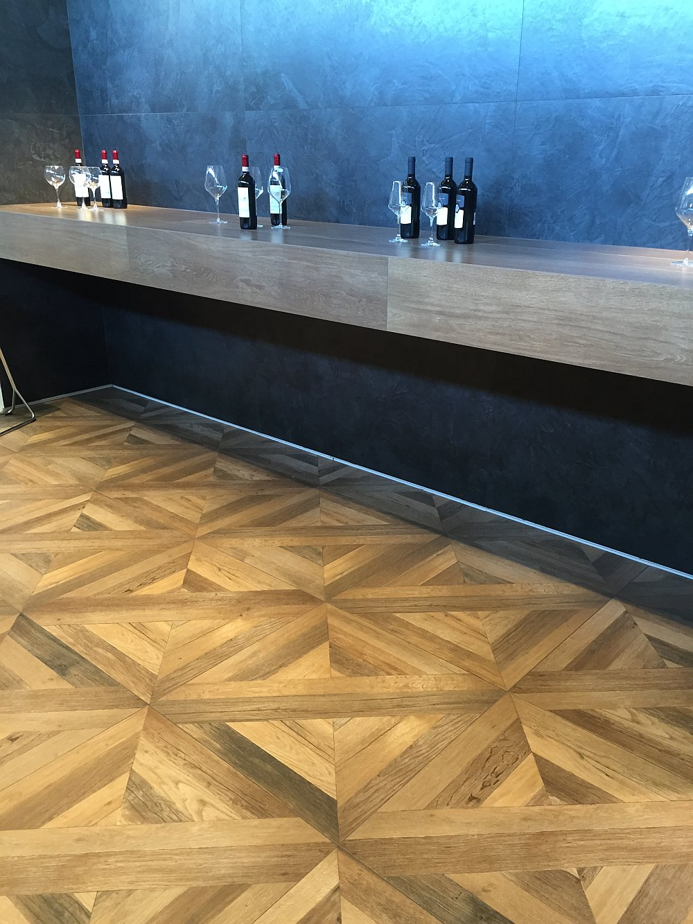 Home bar ceramic tiles