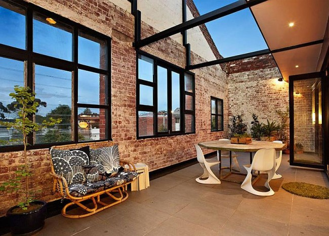 Touch of New York: Loft-Style Warehouse Conversion in Melbourne