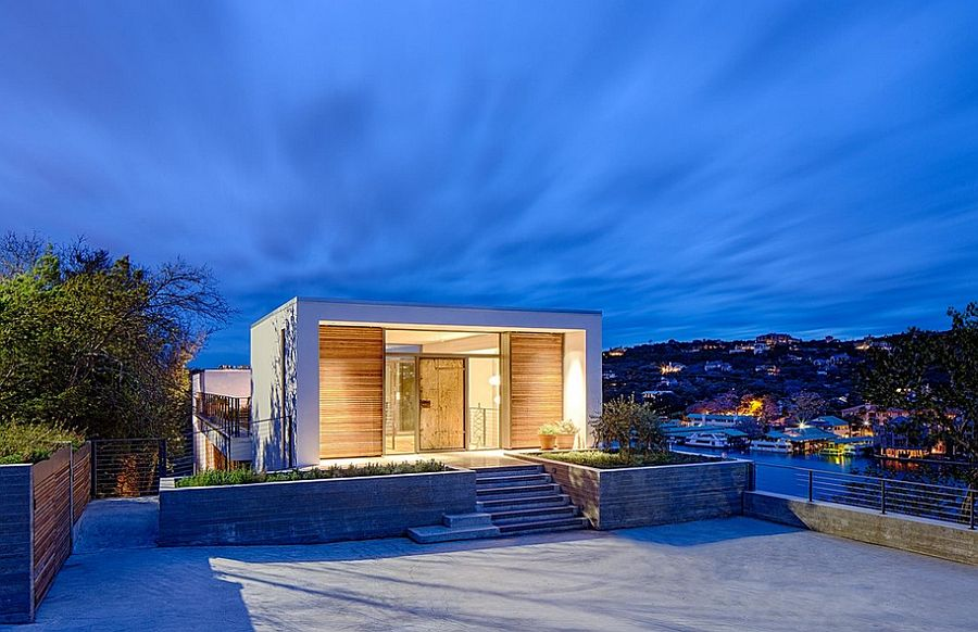 Ingenious entryway to the Cliff Dwelling overlooking Lake Austin