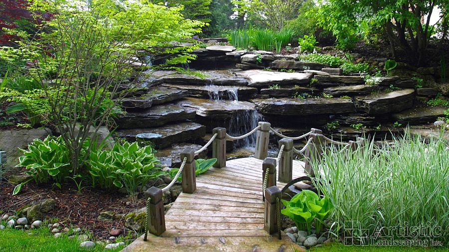 Integrate the bridge into your garden walkway seamlessly [Design: Artistic Landscaping]