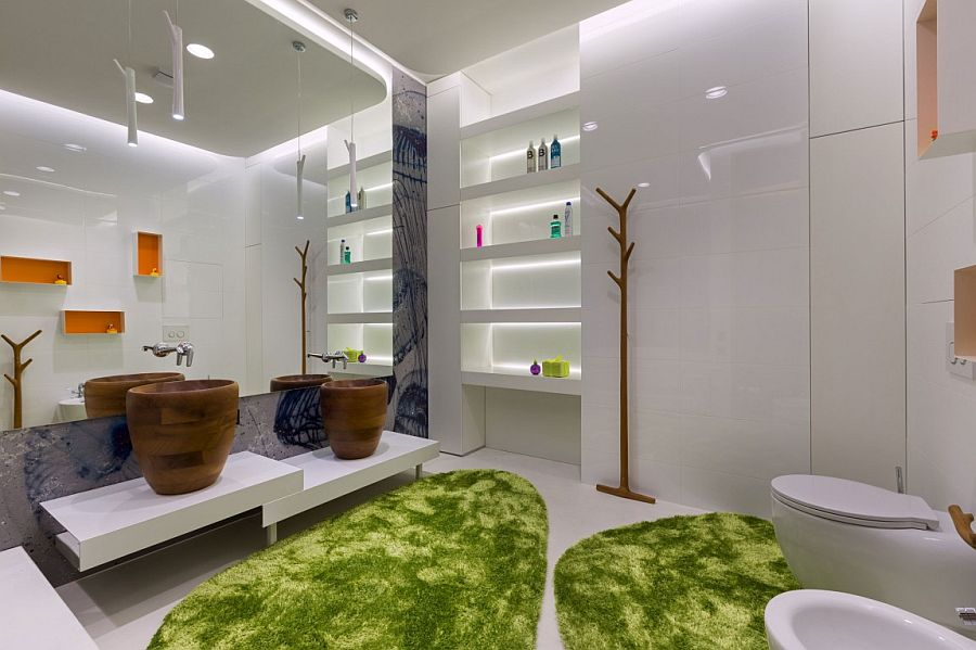 Interesting use of color and texure in the minimal bathroom