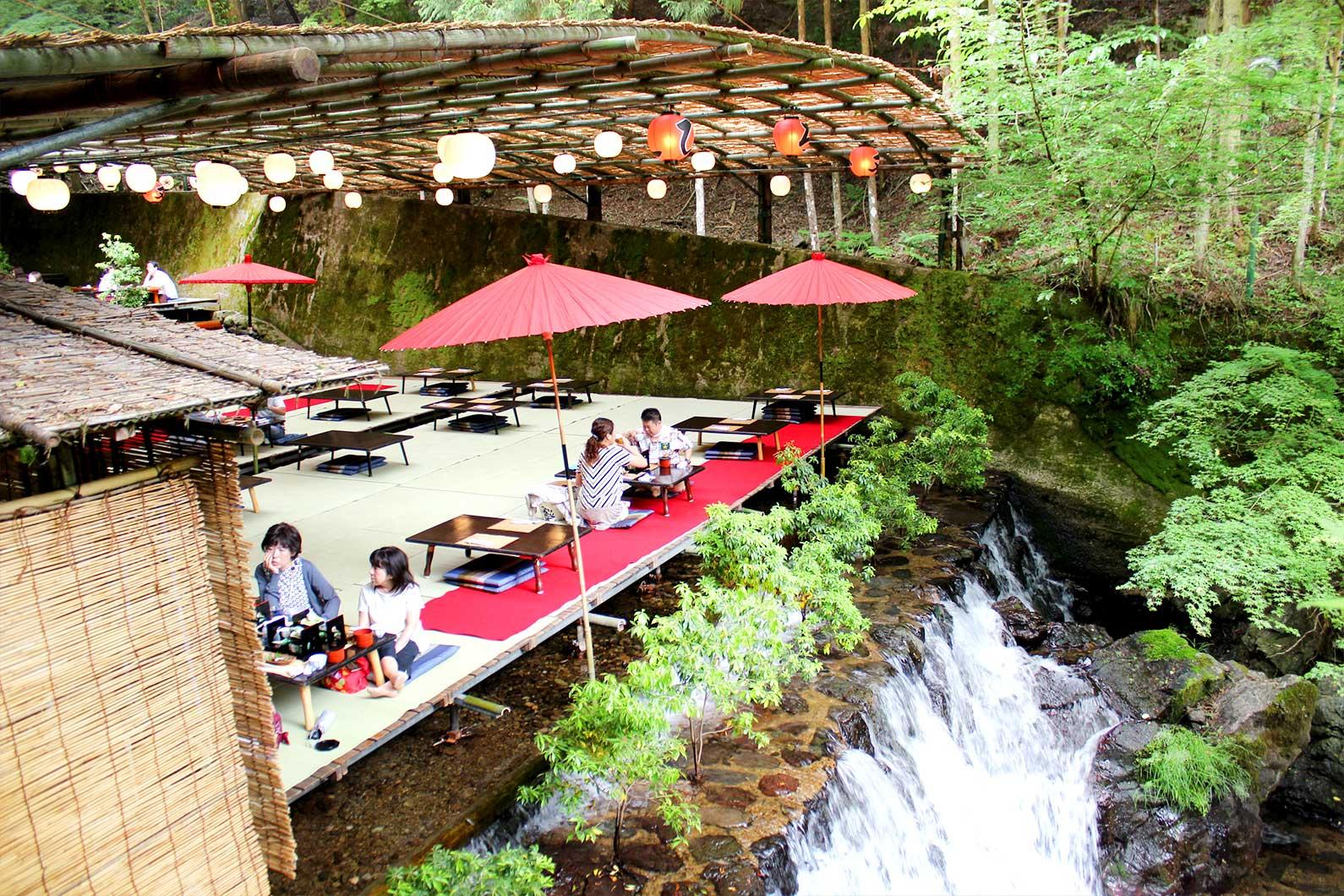 Kawadoko Restaurant Hirobun in Kibune Dine Atop a Waterfall at These Kawadoko Restaurants Hidden in Kyotos Mountains