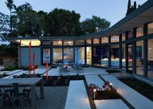 Lovely-lighting-takes-over-the-Californian-home-after-sunset-217x155