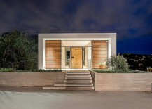 Lovely-rooftop-entry-to-the-Cliff-Residence-next-to-Lake-Austin-217x155