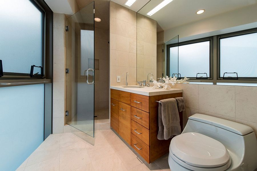 Making useof the corner space in your bathroom