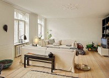 Neutral-decor-blends-in-with-the-backdrop-of-the-chic-living-room-217x155