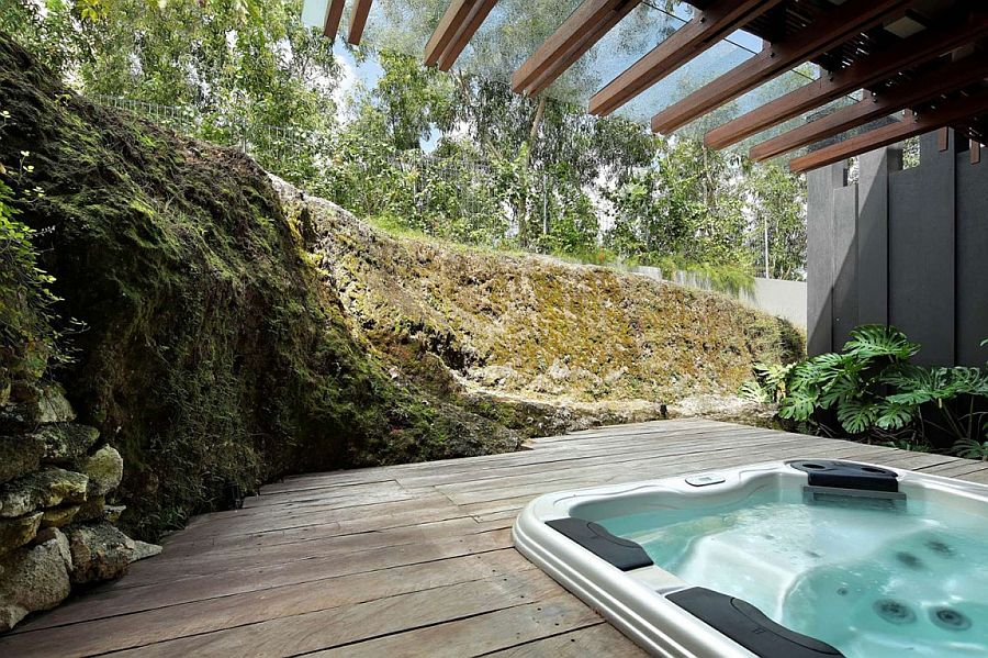 Outdoor Jacuzzi on the wooden deck of the luxury home in Bali