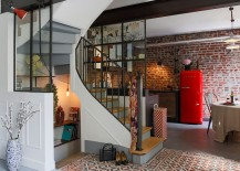 Refrigerator-brings-vintage-charm-to-the-small-industrial-kitchen-217x155