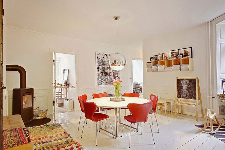 Series 7 chairs in orange for the Scandinavian dining room