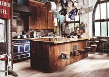 Showcase your kitchenware in industrial style!