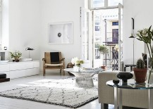 Smart Platner coffee table sits at the heart of this lovely living room