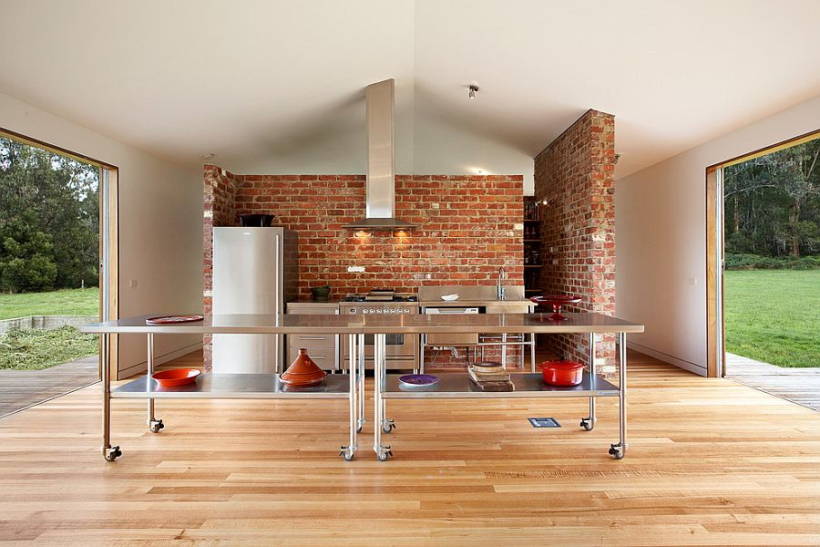 Sparkling island on wheels for the ingenious kitchen [Design: Maxa Design]