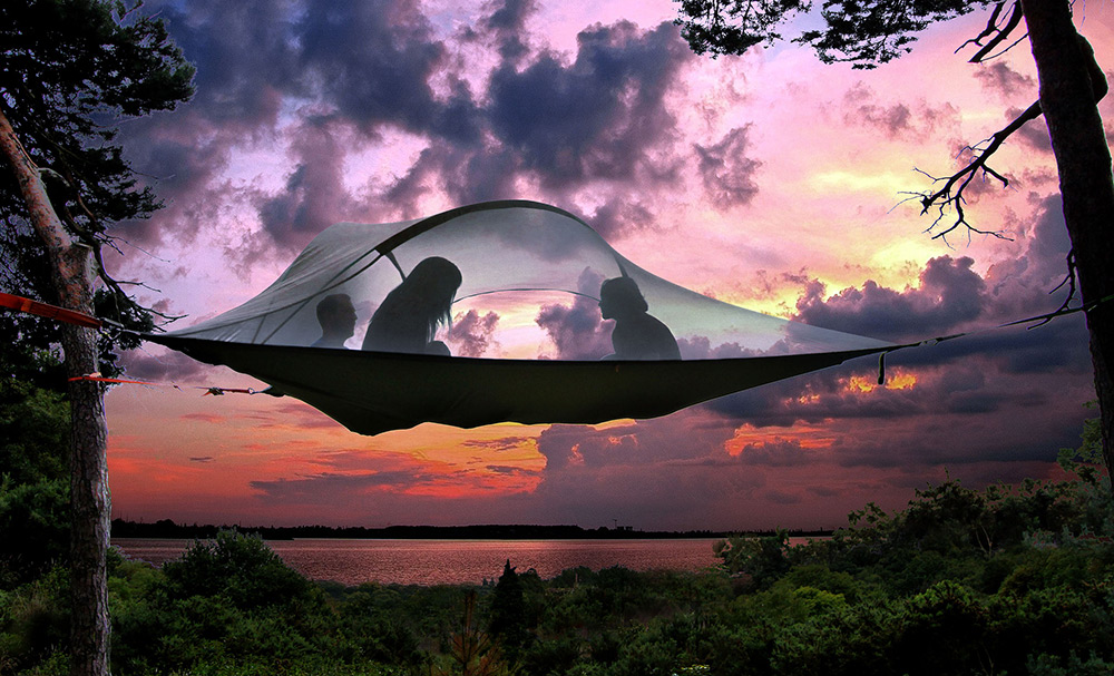 Go as high as you like into the treetops with this tent-hammock hybrid