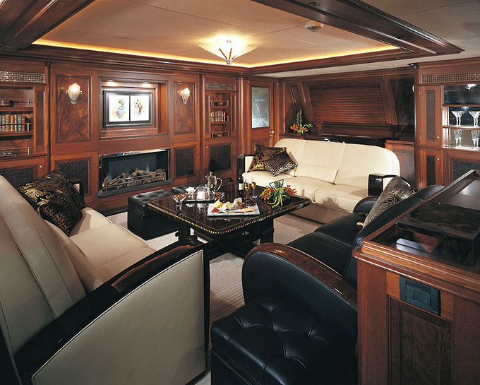 Jaw dropping yacht interiors and decor that blow you away for Boat interior design ideas home