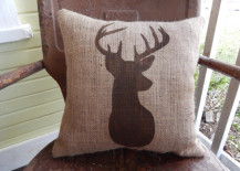 Rough charm of burlap cushions for those who adore the rustic look