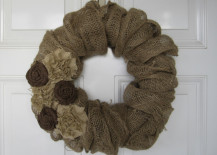 burlap wreath 1 217x155 8 Ways You Can Incorporate Burlap into Your Decor for a Rustic Look