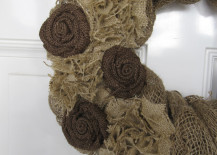 Beautiful burlap wreath design