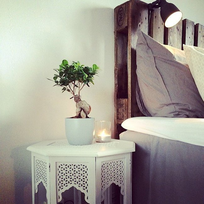 candle nightstand 1