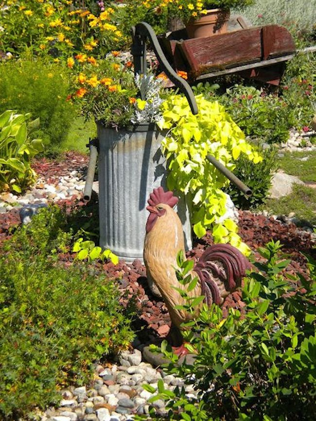 Country-style garden statue ideas