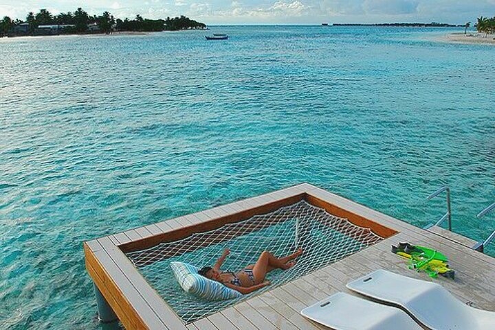 The feeling of the sea below and the breeze above make this hammock perfect