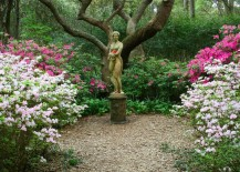 Let the garden statue become the focal point of the landscape
