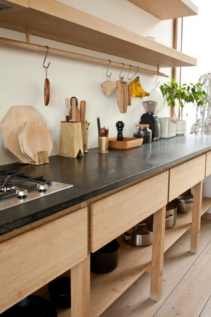 Storage friendly accessory trends for kitchen countertops for Kitchen countertop storage solutions