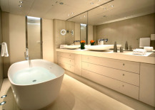 red-dragon-yacht-bathroom-217x155