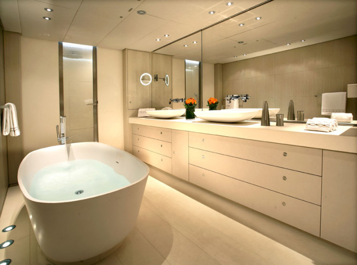 Red Dragon yacht bathroom with a full-size bathtub