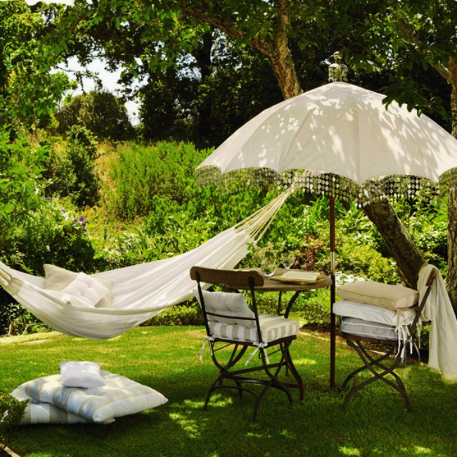 Ideas For Garden Design Relax: Vintage Garden Umbrella