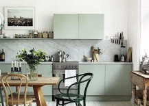 A splash of mint green for the cool kitchen