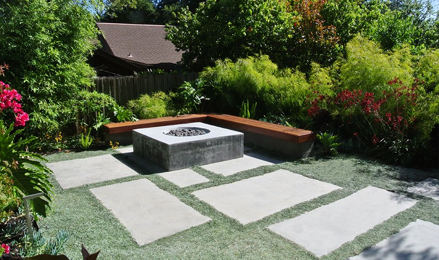 Backyard with large concrete pavers