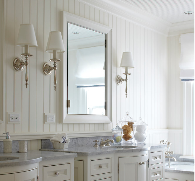 Simple and spectacular beadboard in a vintage-feel bathroom