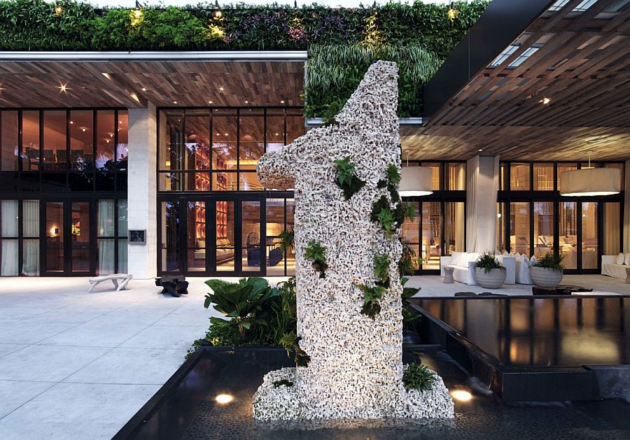 Beachfront hotel in Miami with serene ambiance