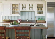 Cottage style kitchen with beadboard backsplash