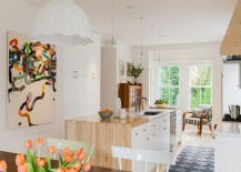 Beautiful-combination-of-wood-and-stone-for-the-kitchen-island-217x155