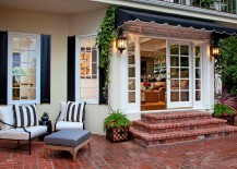 Charming-Beverly-Hills-patio-217x155