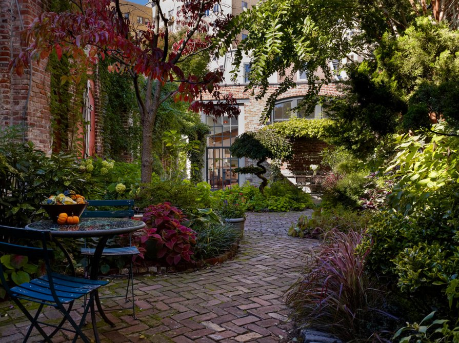 20 charming brick patio designs for Fine gardens landscaping