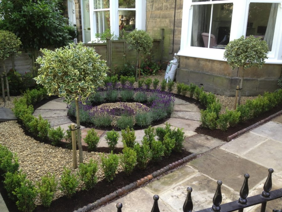 view in gallery circular design creates a lovely focal point - Garden Design Circular Lawns